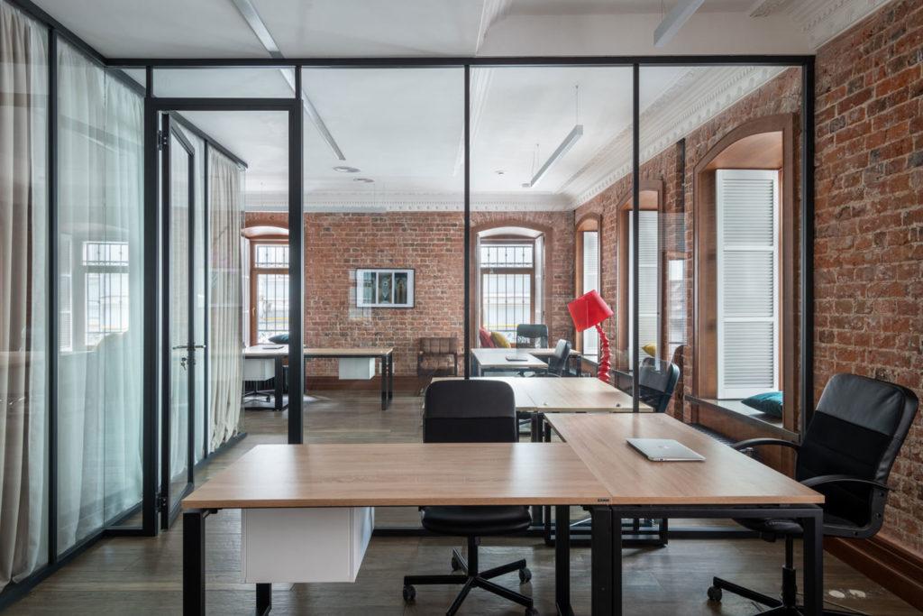 Podział przestrzeni odgrywa ogromną rolę podczas projektowania biura