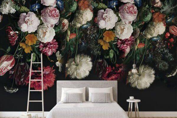 Ciemna kwiatowa fototapeta perfekcyjnie nadaje się do stworzenia naprawdę oryginalnego wnętrza - czy to salonu, czy sypialni.