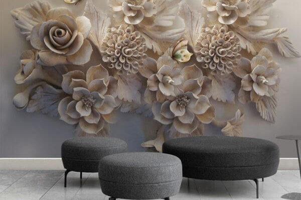 Miłośnicy sztuki klasycznej zakochają się w tej tapecie. Piękne kwiaty wyglądają niczym wyrzeźbione z kamienia, a wnętrze wygląda stylowo i oryginalnie.
