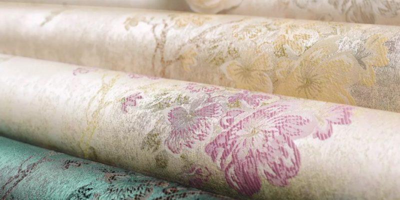 Żakardowe tapety słyną z bogatych ornamentów
