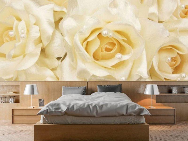 Zmysłowe białe róże sprawdzą się w każdym wnętrzu