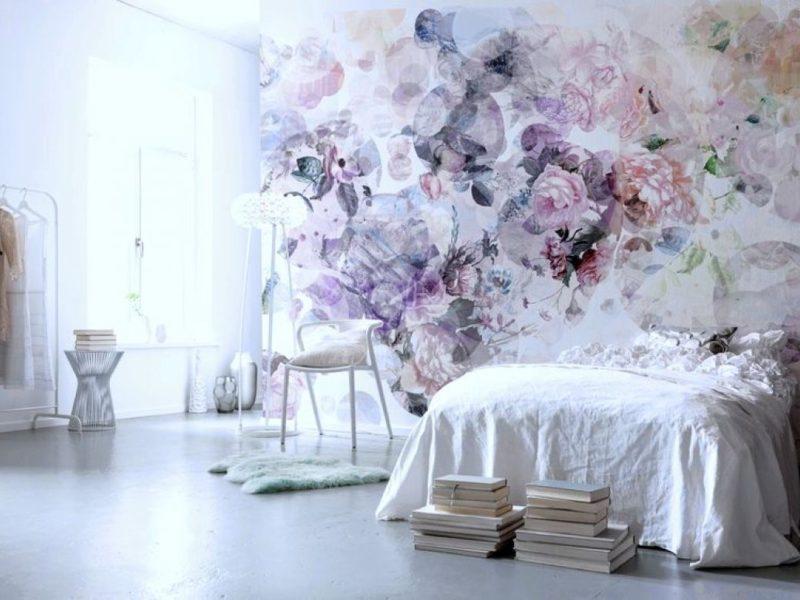 Delikatne kwiaty w pastelowych odcieniach - must have dla romantycznej sypialni