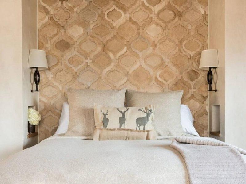 Wybierając tapety do rustykalnego wnętrza, należy pamiętać o spokojnych naturalnych kolorach