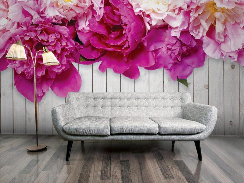 Aby meble nie zasłaniały pięknego nadruku, kwiaty na tej fototapecie zostały umieszczone u góry