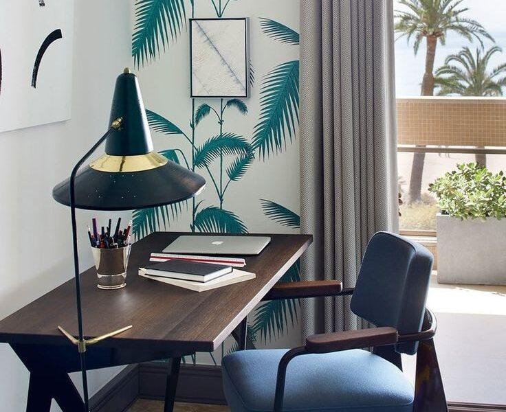 Minimalistyczny roślinny motyw - to sposób na pożegnanie nudy i udekorowanie ściany w prostym, aczkolwiek aktualnym stylu