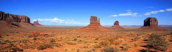 Panomaric widok Monument Valley