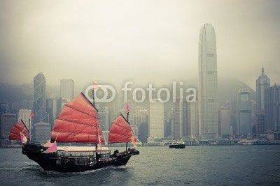 Fototapeta chinese style sailboat in Hong Kong